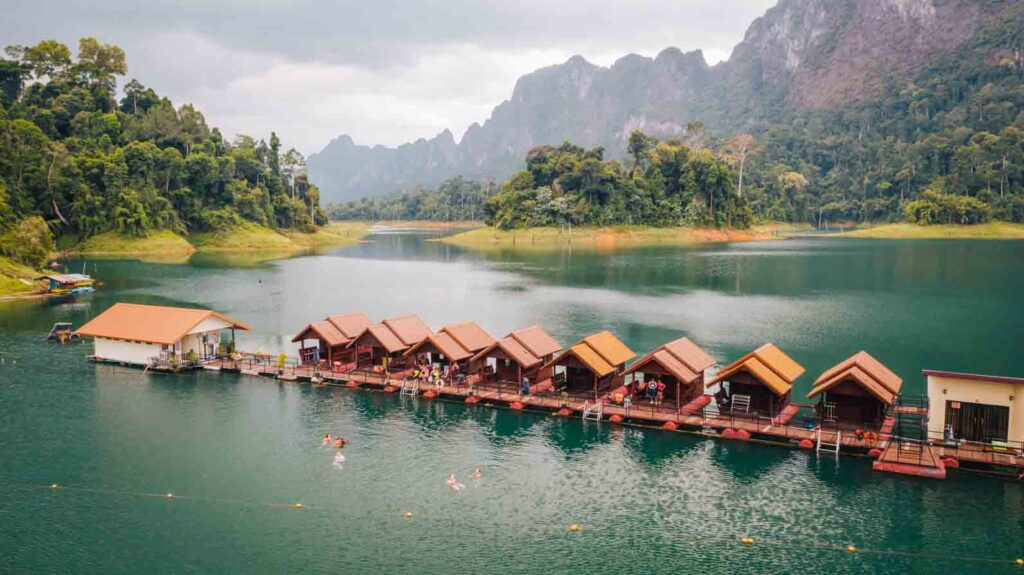 Floating raft houses in Khao Sok Contiki special stay