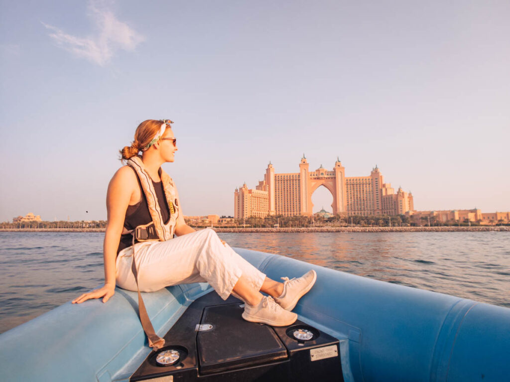 Dubai things to do speedboat