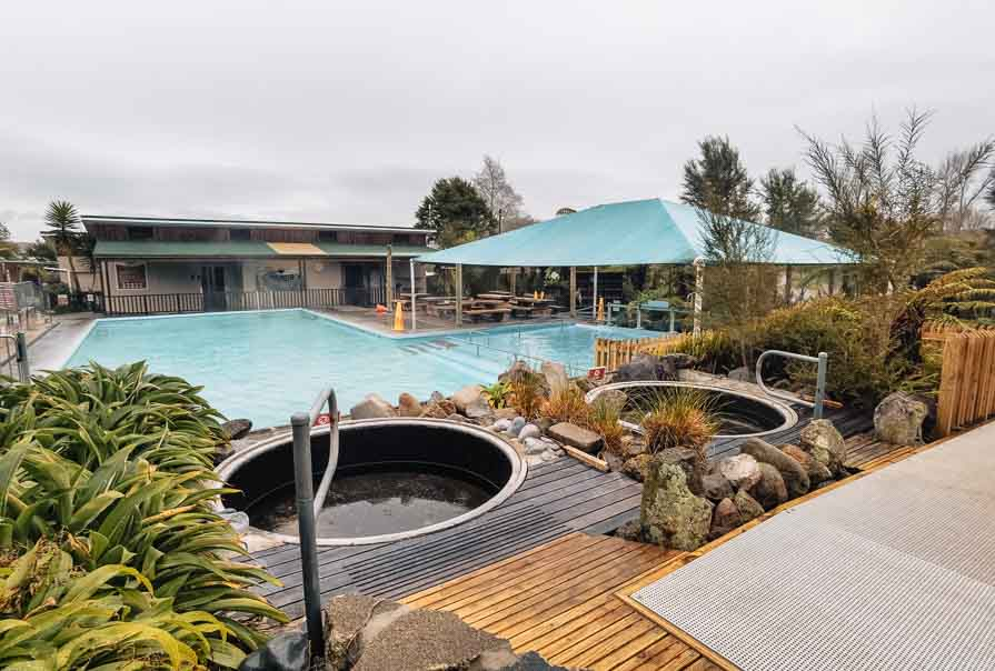 things to do in rotorua hot pools