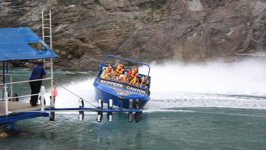 queenstown itinerary shotover jet
