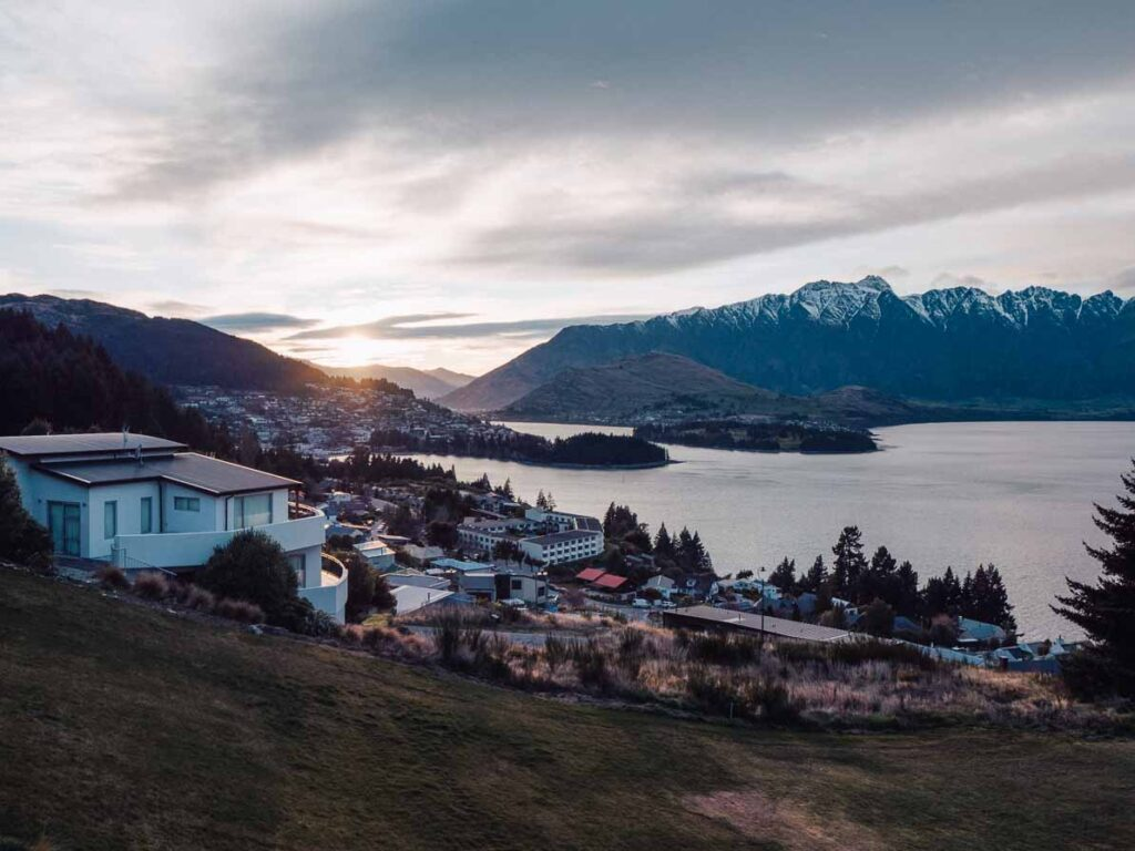 queenstown sunrise at kamana lakehouse